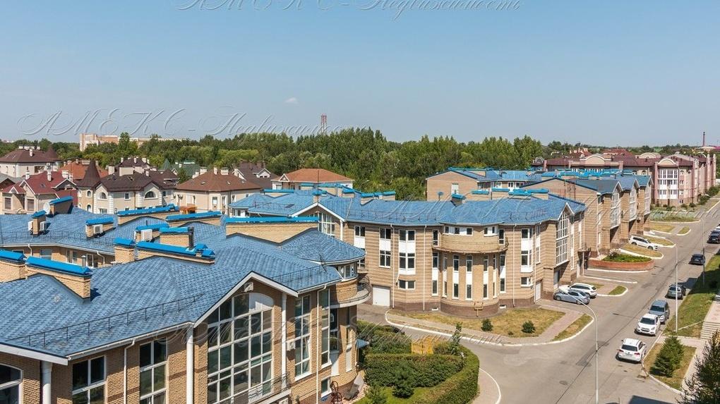 В Омске продаётся квартира за 25 миллионов рублей с двумя лоджиями и «прекрасным видом на крыши домов»