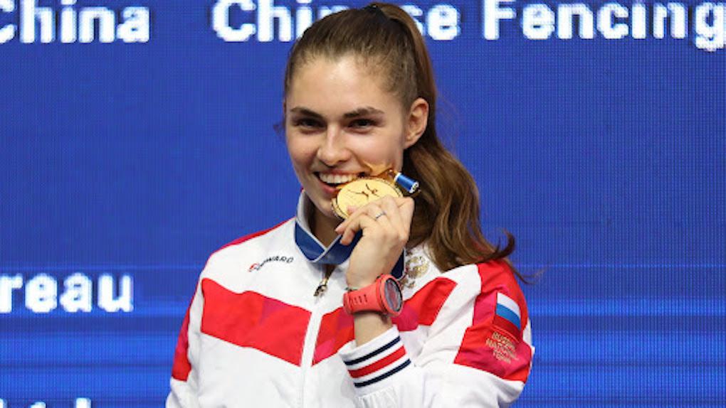 Новосибирская саблистка София Позднякова заработала на Олимпийских играх более восьми миллионов рублей