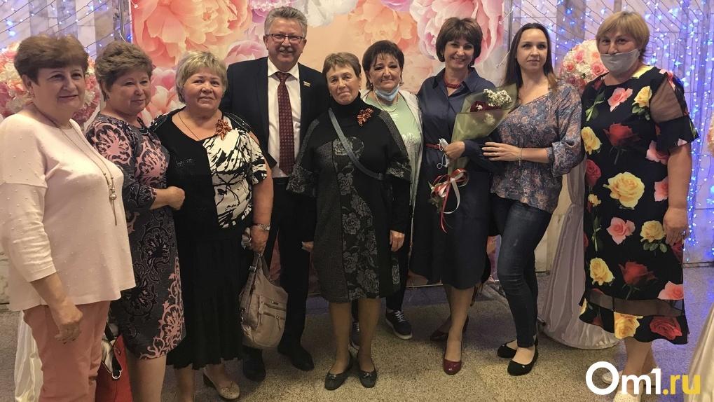 Милосердие и широкая душа: социальных работников Новосибирска поздравили с профессиональным праздником