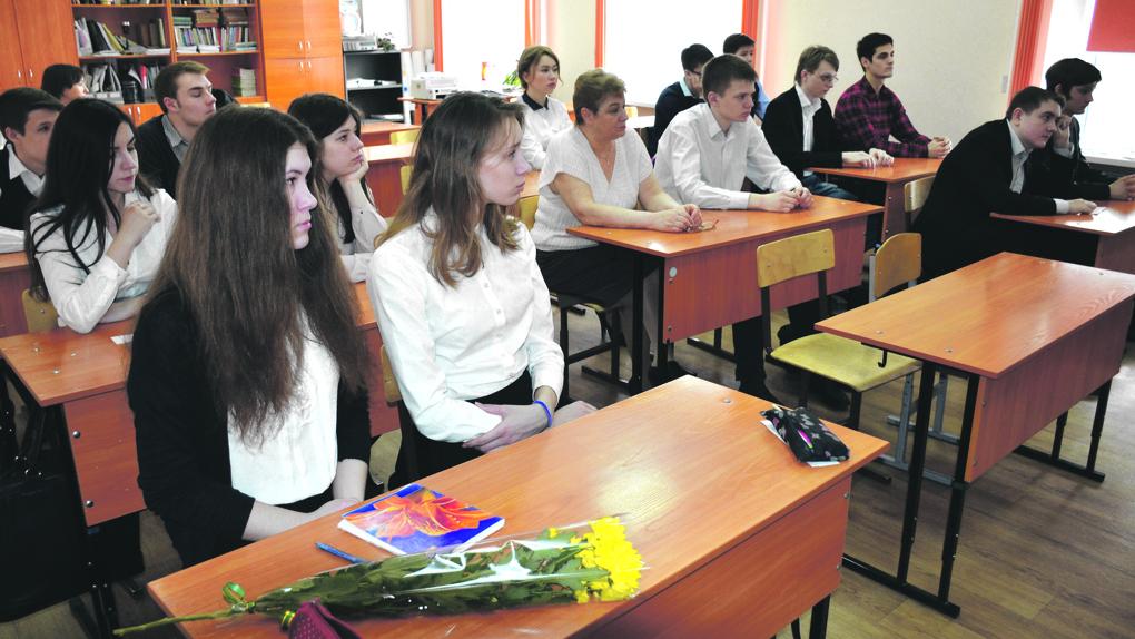 Новосибирские школьники могут вернуться на дистанционку после новогодних каникул