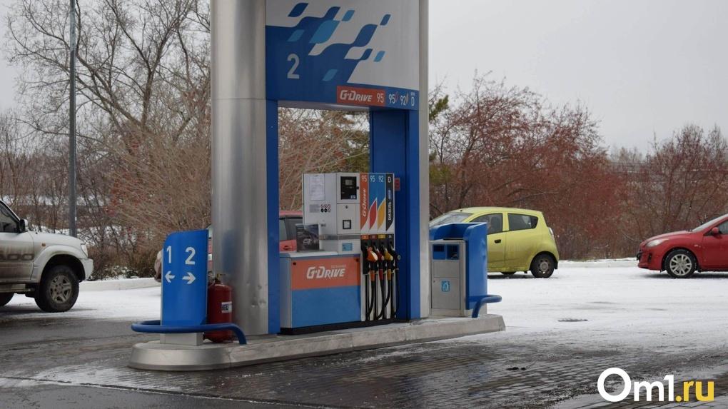 В Новосибирске резко подорожал бензин и дизельное топливо