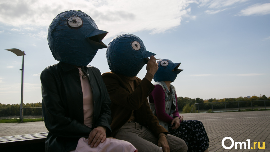 Люди с «птичьими» головами выяснили, почему омичи так часто мигрируют