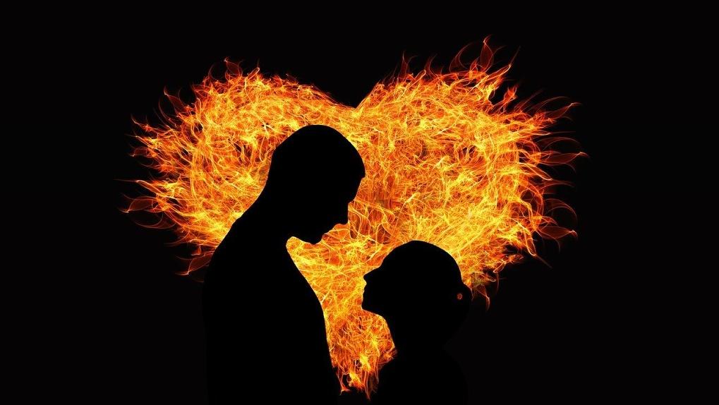 «Облилась бензином и сгорела»: под Новосибирском женщина устроила акт самосожжения на глазах у мужа
