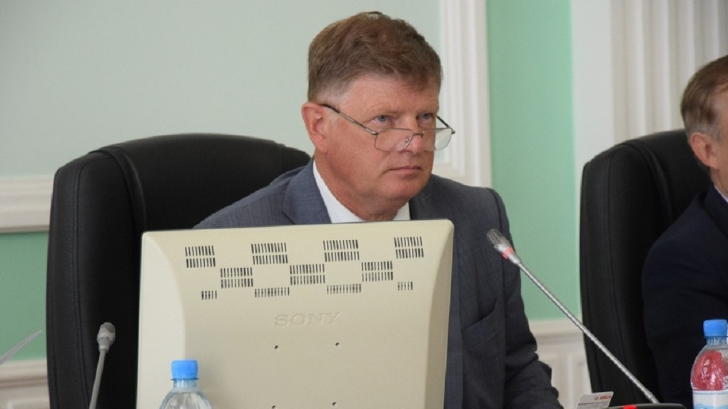 Корбут следит за омскими депутатами в режиме «большого брата»