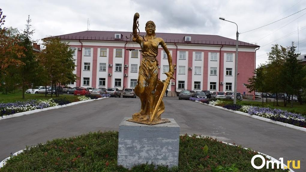 Новосибирский суд закрыл дело переселившего людей в аварийный дом экс-мэра Барабинска
