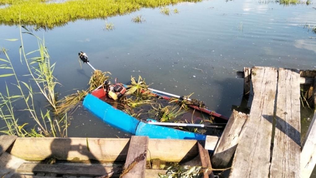 Омичи спасли детей, перевернувшихся в лодке