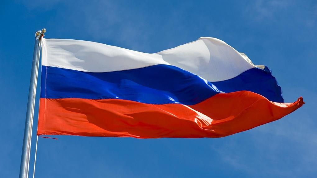 «Президент – Верховный правитель, Крым – в субъектах РФ». Как менялась Конституция РФ