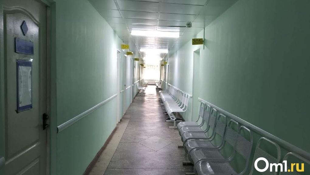 Стало известно, зачем кортеж с «коронавирусными» больными из Якутии повезли в омский онкодиспансер
