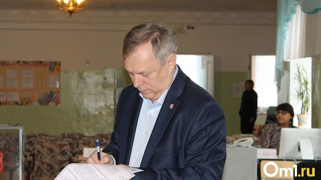 Вице-спикер Омского горсовета Тетянников проголосовал за внесение поправок в Конституцию
