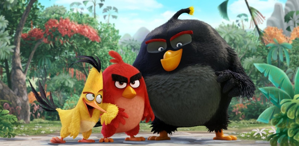 Омских пионеров после посвящения повели в кино на «Angry Birds»