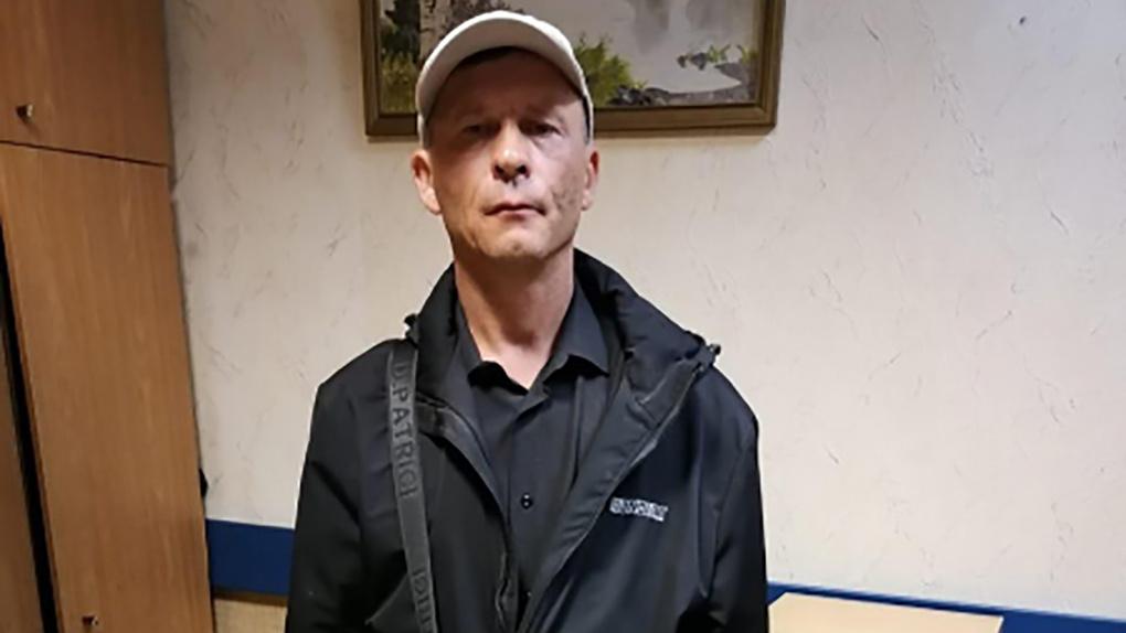 Сдавил шею и надругался: в Новосибирске поймали паркового насильника
