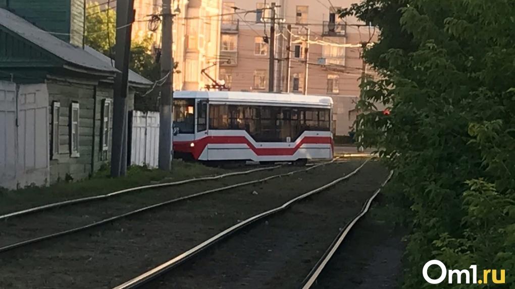 В Омск наконец доедут подаренные Москвой списанные трамваи