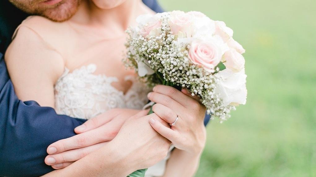 Школьница не захотела выходить замуж за омича и свела счеты с жизнью