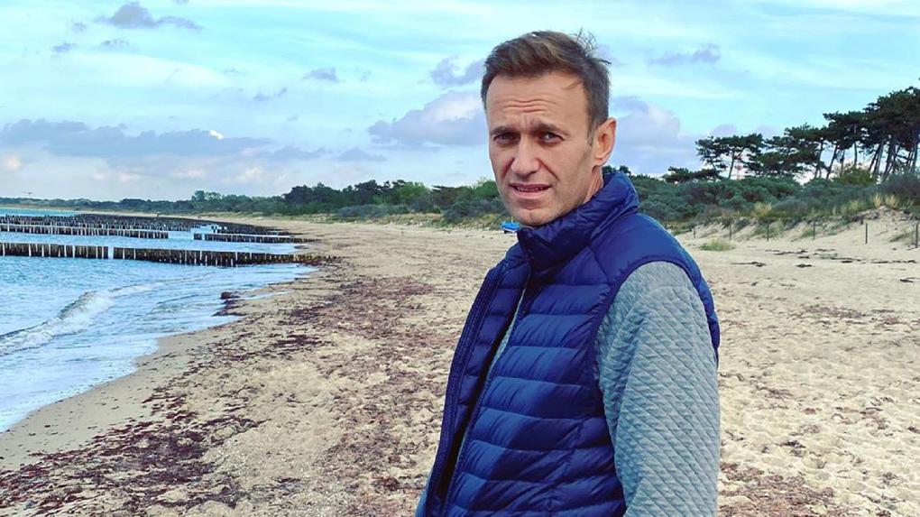«Решали все-таки омские врачи»: Песков рассказал, кто принимал решение о транспортировке Навального