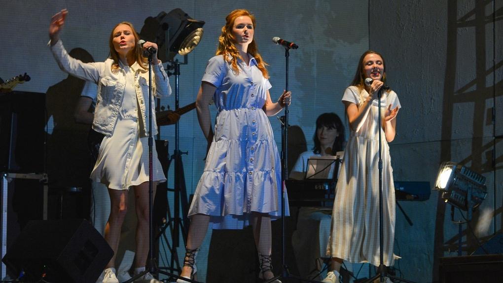 Борис Павлович о новом спектакле в театре драмы: «Это мюзикл. Кастинг. Девушки в купальниках»