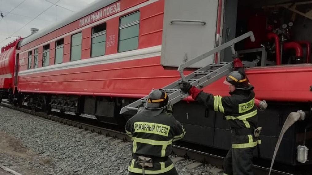 Ситуация SOS: два пожарных поезда выехали на ликвидацию крупного ЧП под Новосибирском