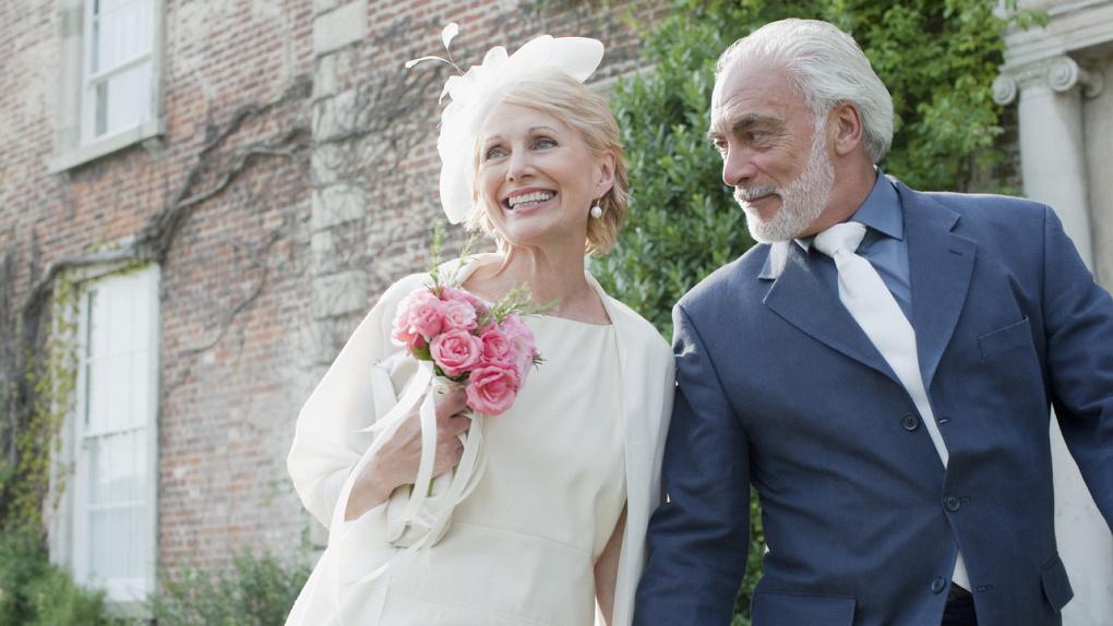В Омске поженились 91-летний мужчина и 65-летняя женщина