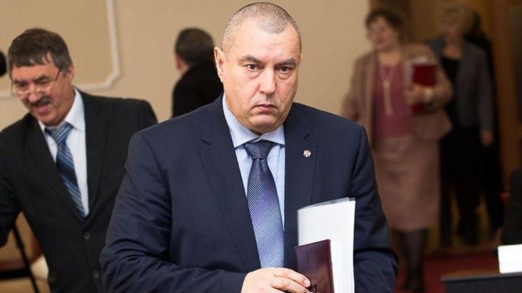 Фролов как первый заместитель мэра Омска дополнительно заработал за год 700 тысяч