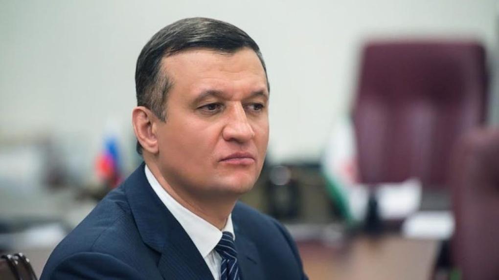 Ротация перед выборами в Госдуму: новосибирские депутаты меняют партии и округа