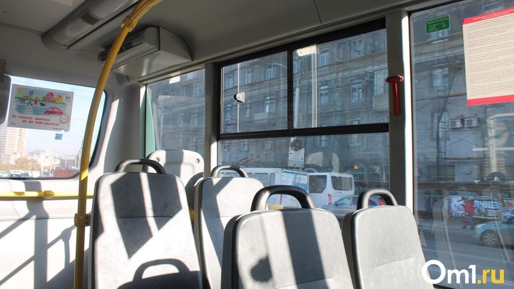 Водитель школьного автобуса, который вез детей пьяным, уволился