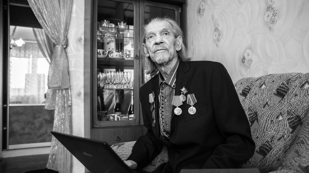 В Омске скончался член Российского Союза писателей и сирота ВОВ Пётр Кузин
