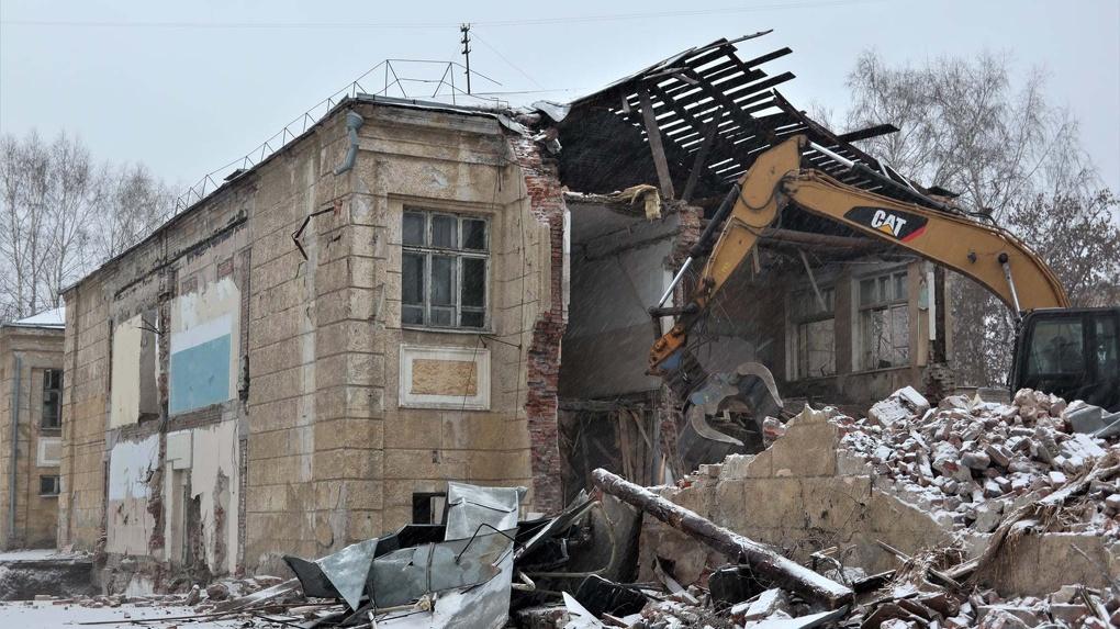 Стала известна сумма на строительство скандально снесённой новосибирской школы № 54