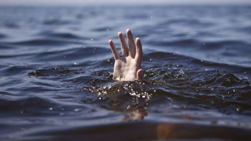 «Нырнул с лодки в реку»: в Новосибирской области 13-летний школьник утонул на глазах у друзей