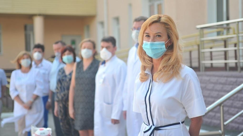 Адвокаты экс-главы омского Минздрава Солдатовой пытаются обжаловать её заочный арест
