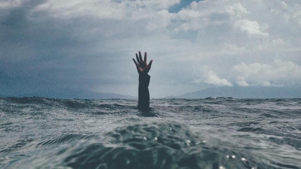 Омича нашли мертвым в озере