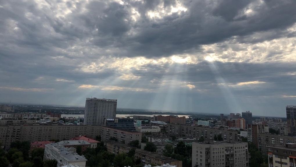 Гроза и ливень всю неделю: синоптики предупредили новосибирцев о неблагоприятной погоде