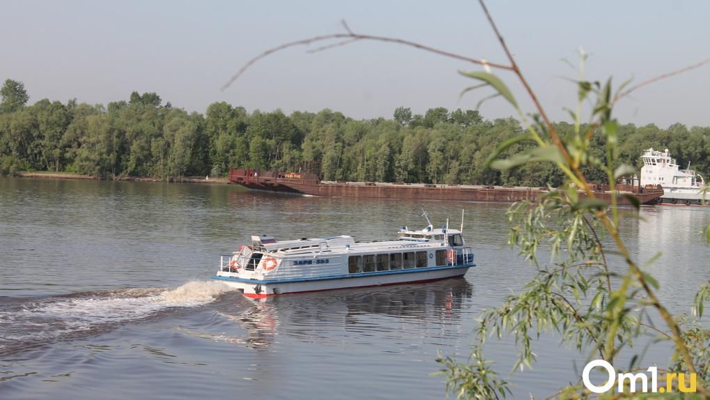 Теплоход «Заря» отправился в первый рейс из Омска в Большеречье
