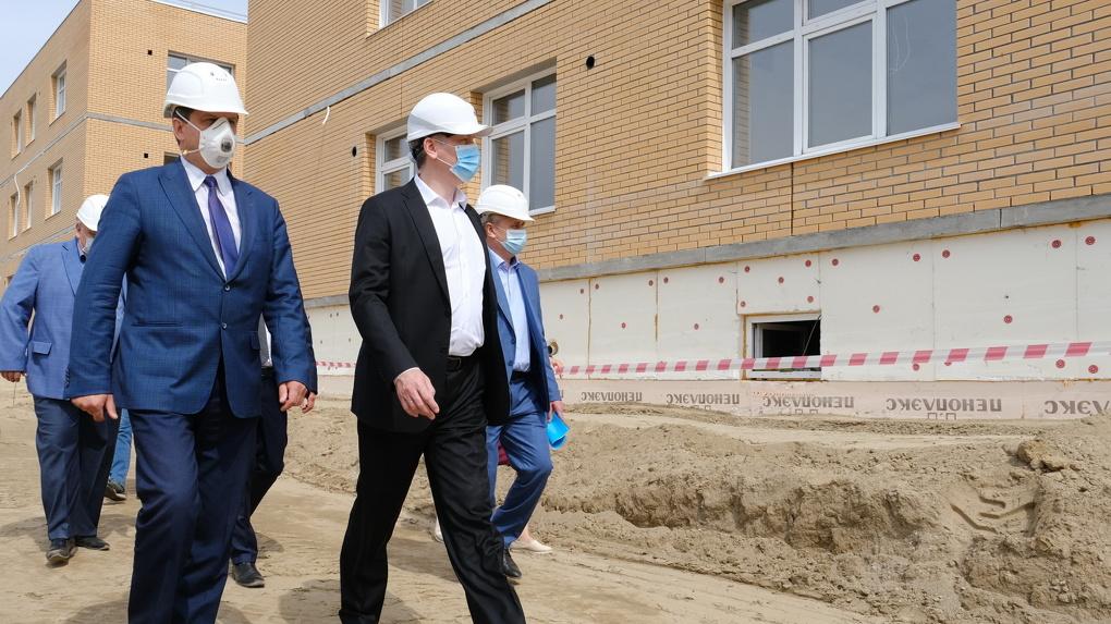 В Новосибирской области построят 20 детских садов и пять школ