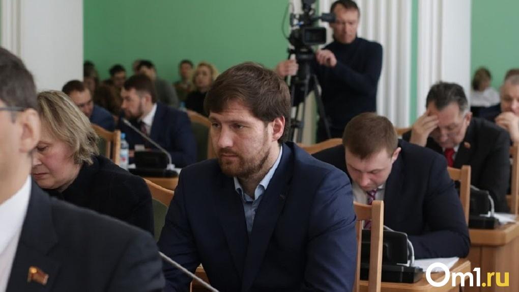 Омский депутат Петренко пытается оспорить диагноз, из-за которого его могут лишить прав