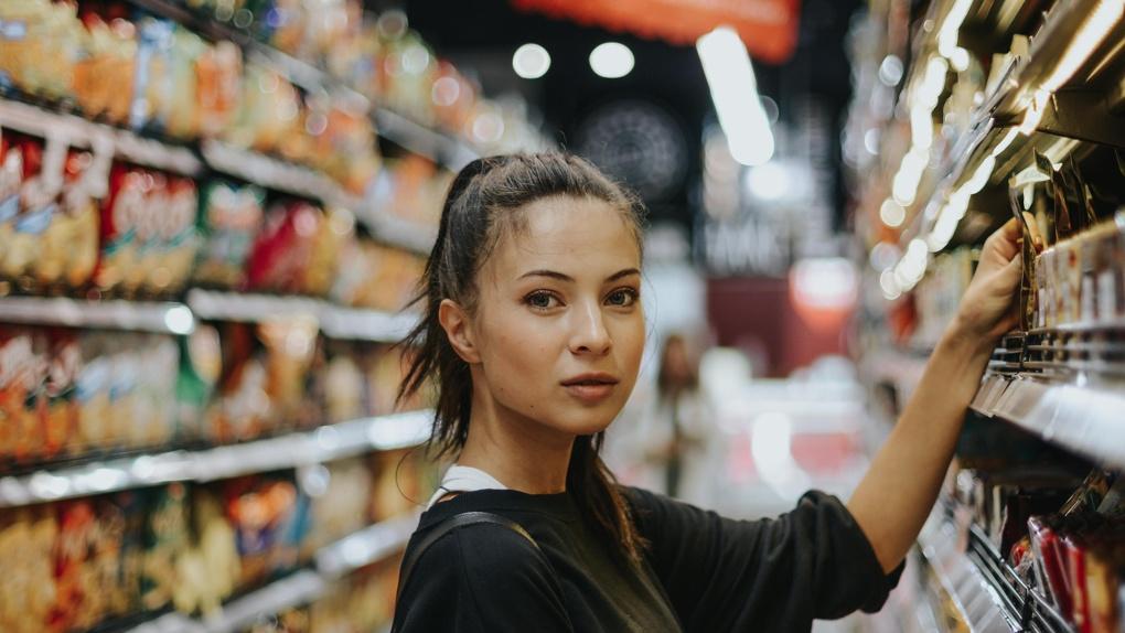 Роспотребнадзор порекомендовал омичам не покупать продукты впрок