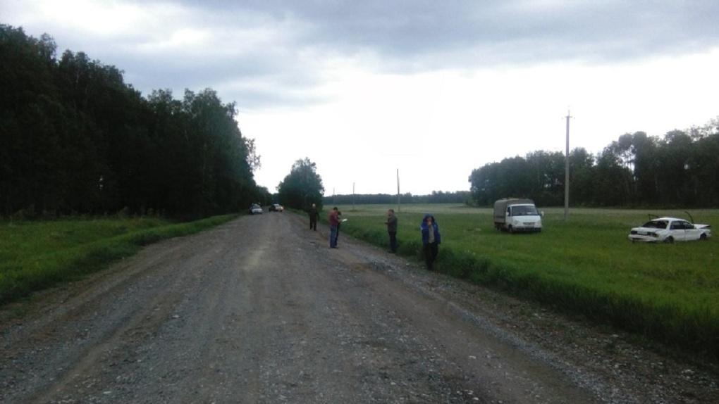Скончался на месте: под Новосибирском 51-летний водитель угодил в кювет на иномарке