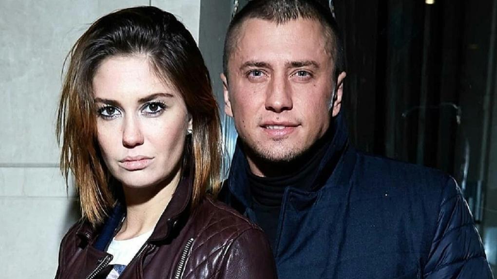 Знаменитый актер из Новосибирска Павел Прилучный избил экс-супругу и выгнал из дома в период пандемии