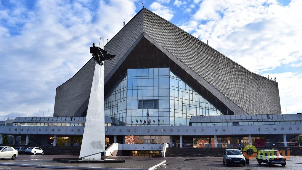 Омичи умоляют Буркова отремонтировать СКК имени Блинова