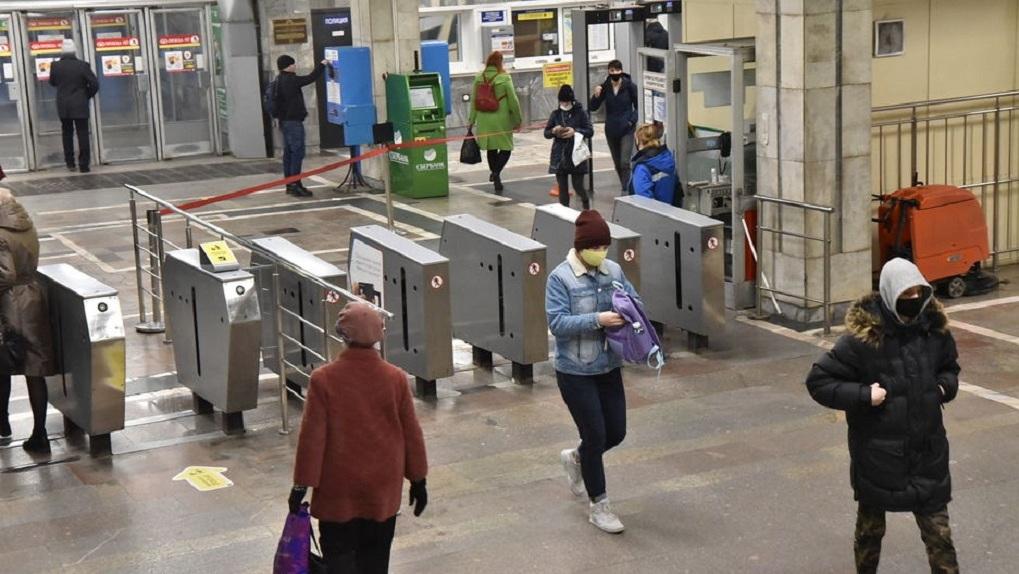 Количество антимасочников в новосибирском метро снизилось в пять раз