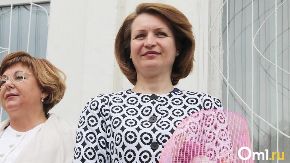 Мэр Омска Оксана Фадина поделилась снимком со своего последнего звонка (ФОТО)
