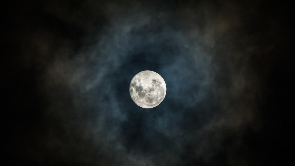 Из Омска на Луну. Рогозин рассказал президенту Путину о возобновлении межпланетной программы