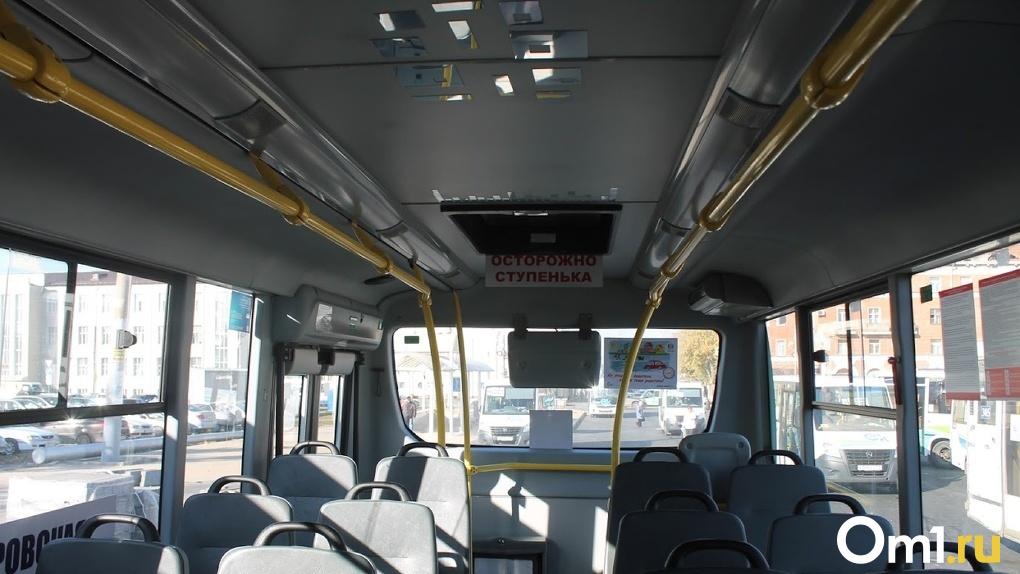 За неделю на 15 омичей завели дела из-за нарушений «масочного» режима в транспорте