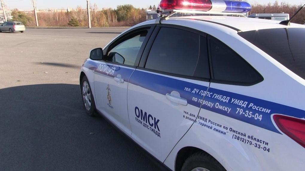 За 20 минут в Омске двое детей попали под колёса автомобиля