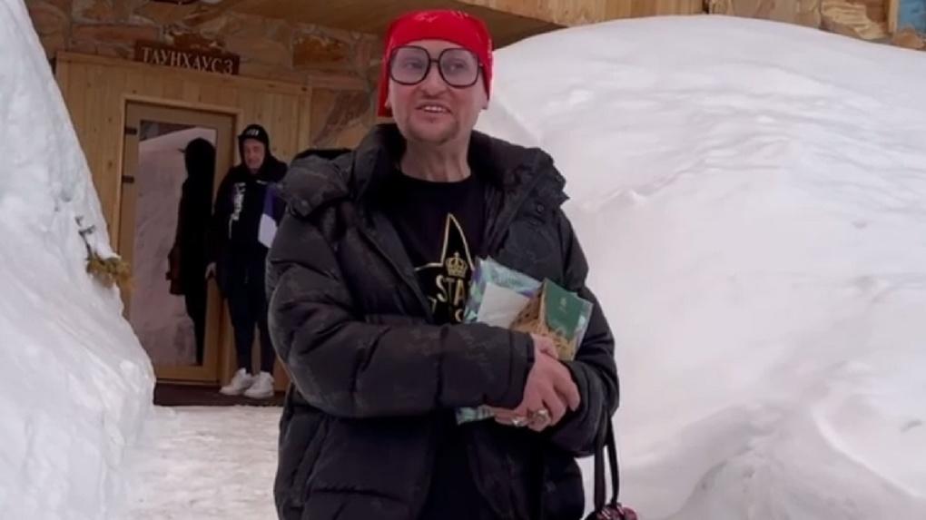 «Голоса нет»: певец из Новосибирска Шура выступил под фонограмму в Шерегеше