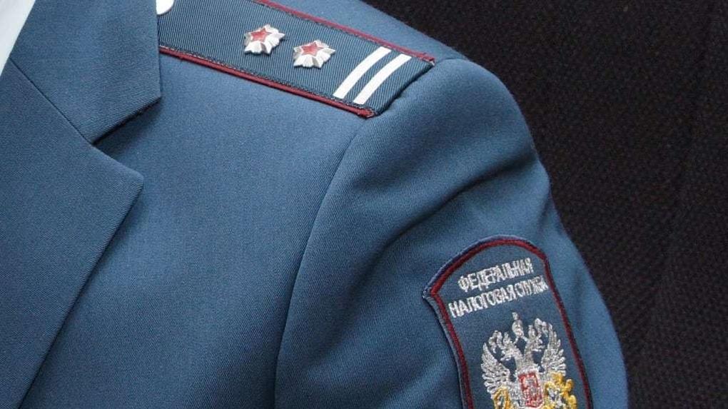 Омских налоговиков оденут на 3 млн бюджетных средств