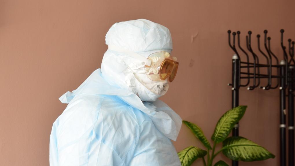 В Омске изолируют от семьи врачей, которые лечат больных коронавирусом
