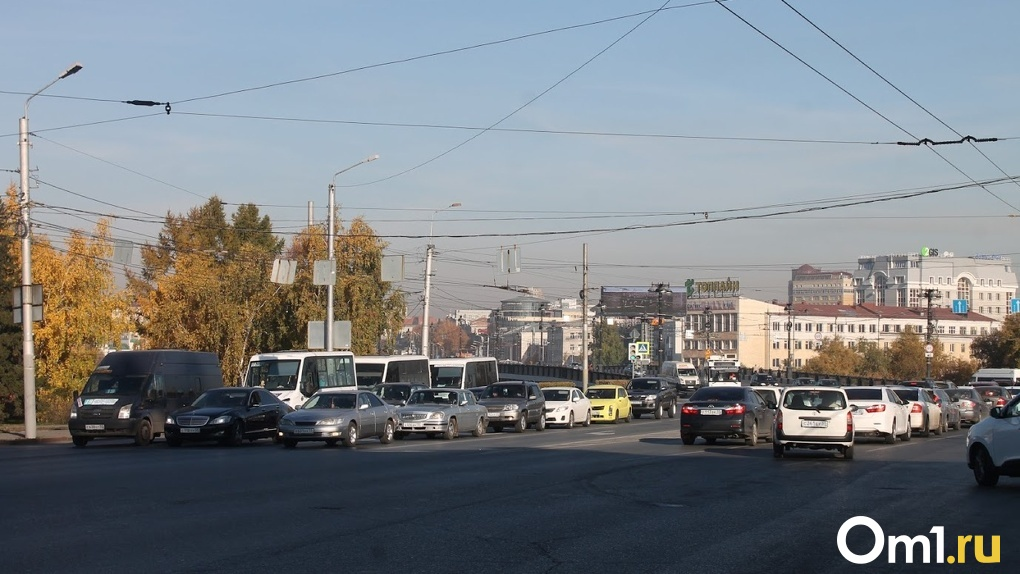 Омские чиновники планируют огородить городские дороги за 5,9 млн рублей