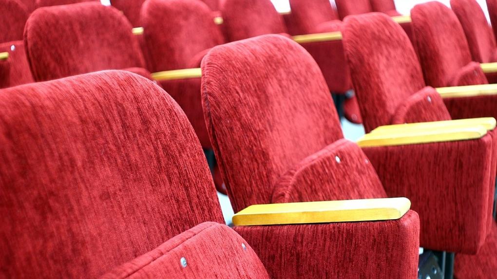 Ушаков назвал предполагаемую дату открытия кинотеатров в Омске