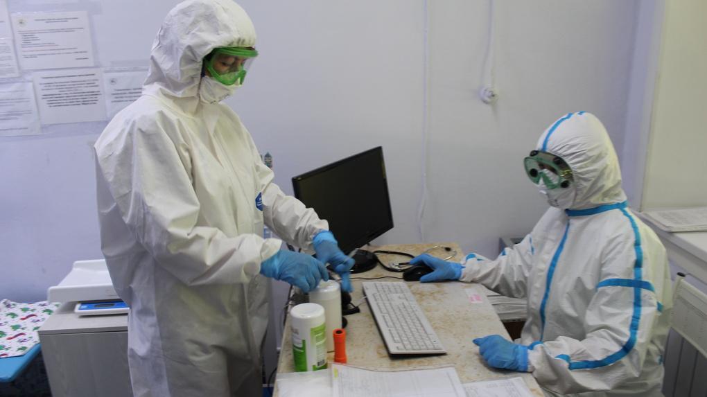 160 врачей заразились коронавирусом под Новосибирском