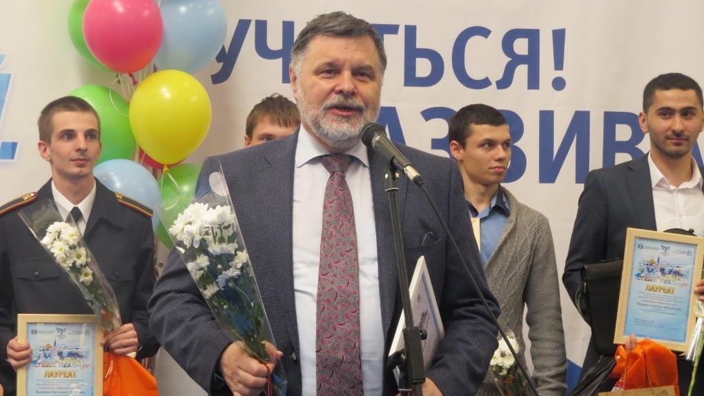 Больше всех ректоров в Омске зарабатывает глава ОмГТУ Анатолий Косых