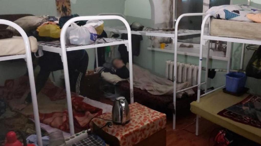 19 инвалидов едва не сгорели в новосибирском доме: прокуратура начала проверку